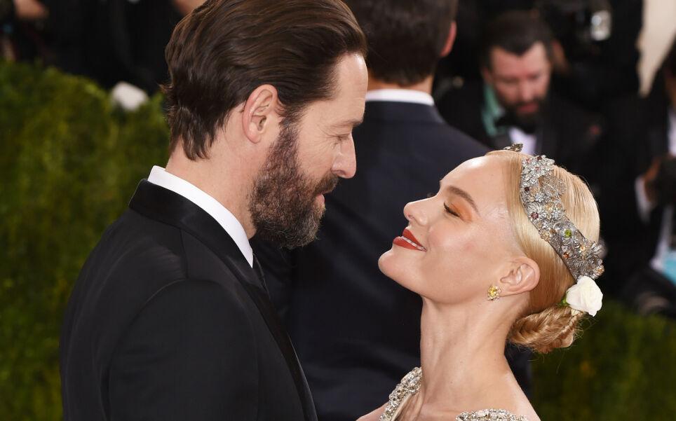 SKILLES: Kate Bosworth og ektemannen Michael Polish skiller lag etter åtte år som ektefeller. Her avbildet i lykkeligere dager - på Met-gallaen i 2016. Foto: David Fisher/ REX/ NTB