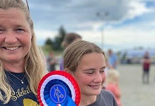 Jublet med datteren etter NM-gull