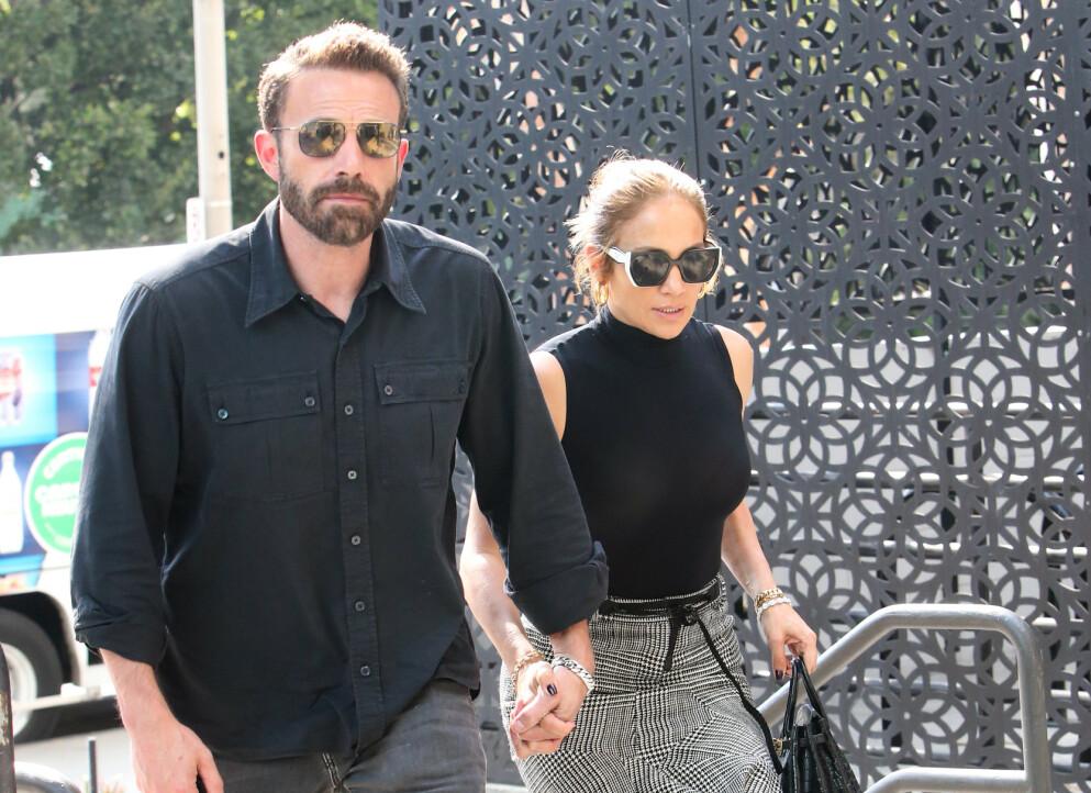 LYKKELIGE DAGER: Det er helt tydelig at Ben Affleck og Jennifer Lopez igjen har funnet tonen. Foto: Splash News / NTB