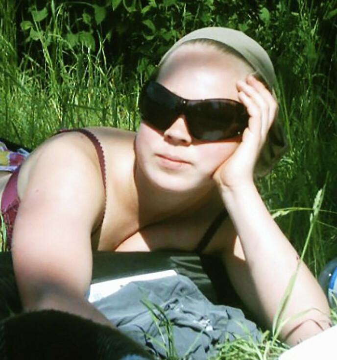 SYNET SVIKTET: Åsta gikk til optikeren med det hun kaller tåkesyn. Det førte til at kreften ble oppdaget. Foto: Privat