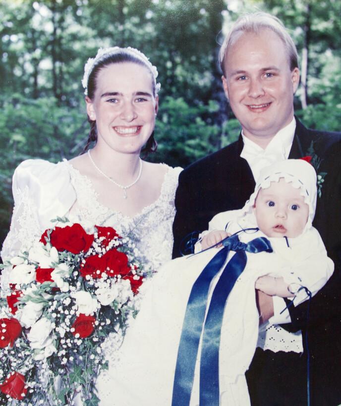 LANGT EKTESKAP: Alexander ble døpt samtidig med at Jan Runar og Marion giftet seg i Drammen sommeren 1997. Foto: Privat