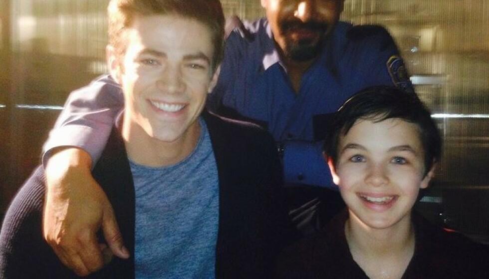 DØD: Skuespiller Logan Williams (til høyre) gikk bort i fjor, bare 16 år gammel. Nå er dødsårsaken endelig bekreftet. Her er han fotografert med medskuespiller Grant Gustin (til venstre). Foto: Instagram / @grantgust