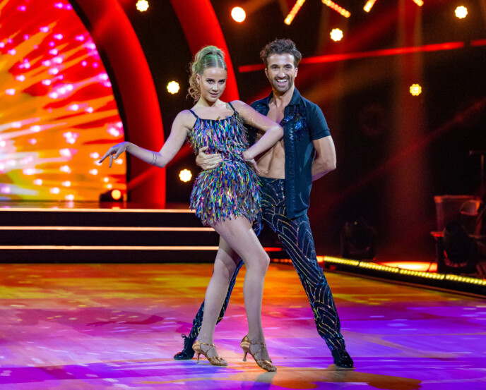 SALSA: Anniken Jørgensen i freidig salsa forrige lørdag. Foto: Thomas Andersen / TV 2