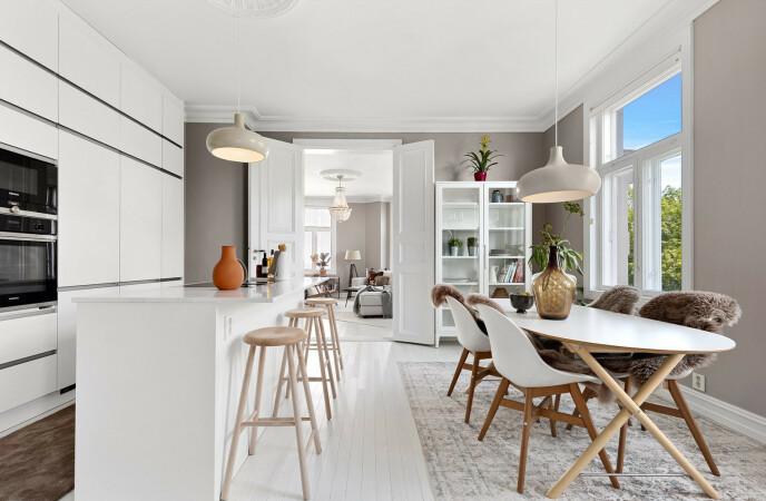 NYOPPUSSET: Kjøkkeninnredningen i influenserens nye leilighet er fra 2020. Foto: Eiendomsfoto AS/Nordvik Bygdøy Allé