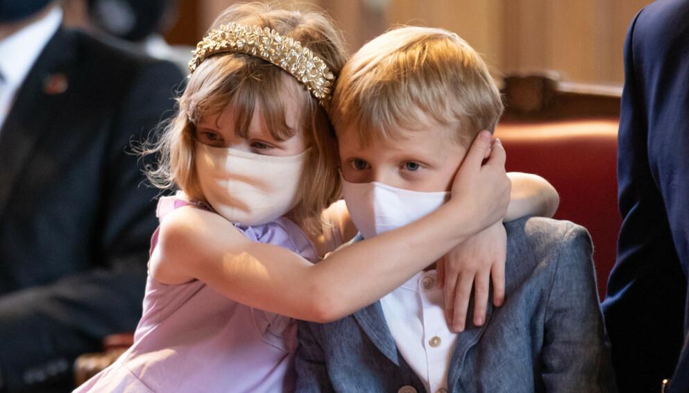 SKADET: Prinsesse Gabriella har vært uheldig og skadet seg. Her med tvillingbror Jacques. Foto: Splash News / NTB