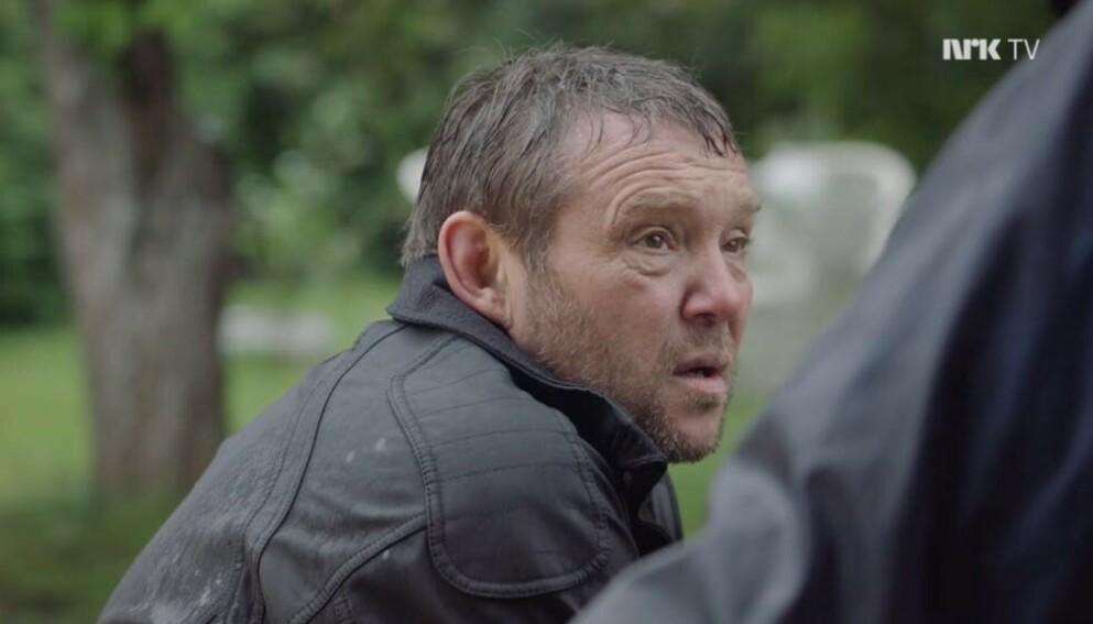 PROFILERT ROLLE: «Farmen»-deltaker Kjell Strand spilte rollen som Gunnar i NRK-serien «Stolthet og forfall». Foto: NRK