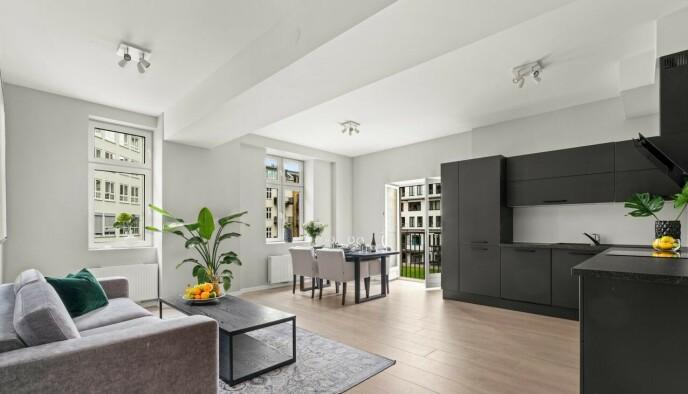 SELGER: Paal Nygård og Miranda Morina selger denne leiligheten på Grünerløkka i Oslo. Bildet er benyttet med tillatelse fra eiendomsmeglerfirmaet Schala & Partners. Foto: Henrik Sporsheim