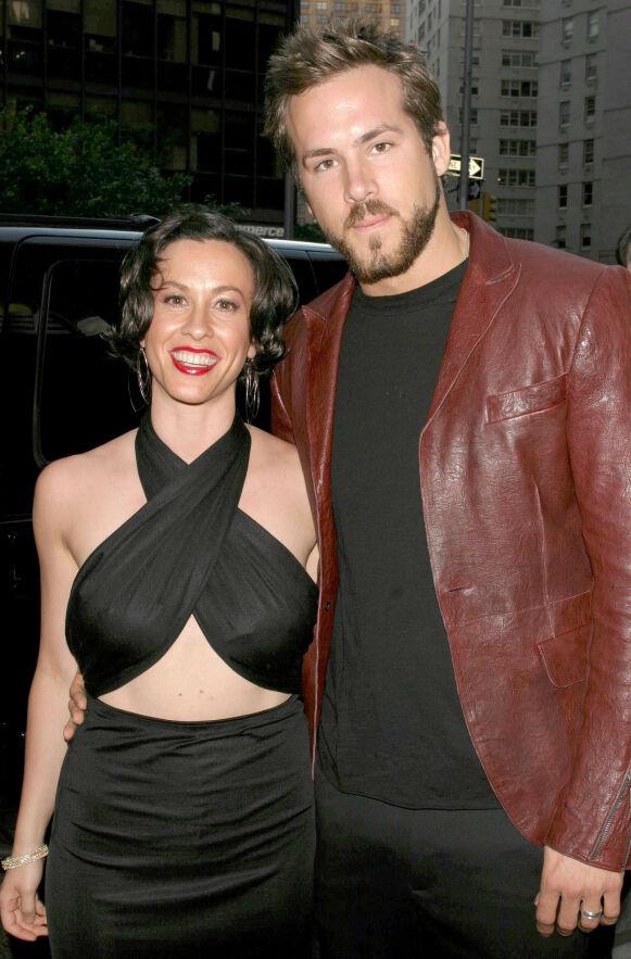 VAR FORLOVET: Alanis og Ryan var forlovet, men giftet seg aldri. Her sammen i 2004. Foto: Dave Allocca/Starpix/REX/Shutterstock/NTB