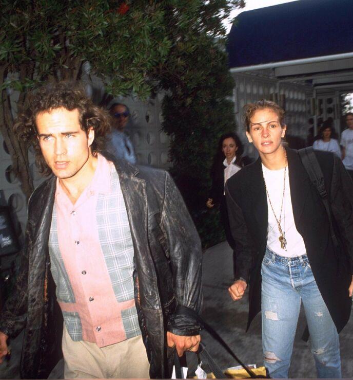NY TYPE: Samtidig som Julias bryllup ble avlyst, fant hun sammen med Jason Patric. Her sammen i 1991. Foto: Dave Lewis/REX/NTB
