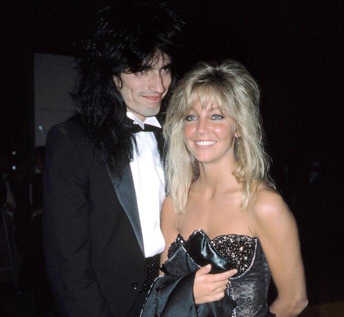 TO STJERNER: Tommy Lee og Heather Locklear i 1985 - året før de giftet seg. Foto: Mediapunch/REX/Shutterstock/NTB