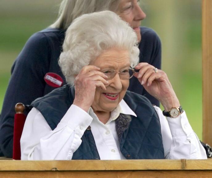 NØYTRAL FAVORITT: Dronningen har brukt samme farge på neglelakken fra Essie siden 1989. FOTO: NTB