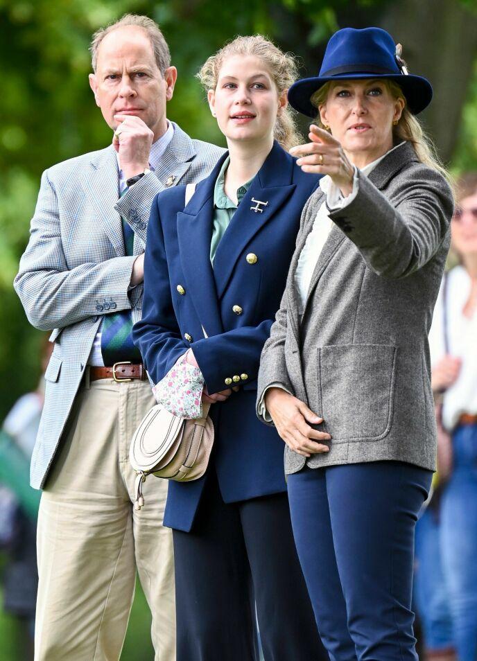 FAMILIE: Lady Louise er datter av prins Edward, dronning Elizabeths sønn, og grevinne Sophie. Her avbildet under Royal Windsor Horse Show i sommer. Foto: Tim Rooke / Shutterstock / NTB