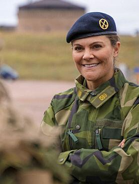 TRONARVING: Dette er ikke første gang Victoria går i militæruniform. Foto: Robin Krüger/Försvarsmakten