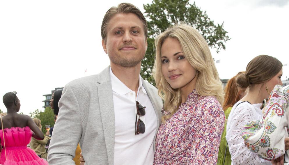 FORLOVET: Det var i 2019 at nyheten om forlovelsen mellom Emilie Nereng og kjæresten kom. Nå skal de planlegge bryllup. Foto: Andreas Fadum / Se og Hør