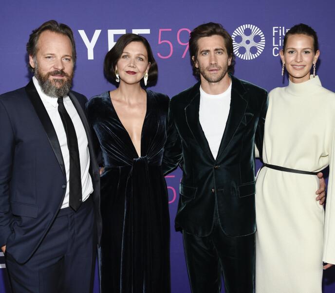 DEBUT: Jake Gyllenhaal og Jeanne Cadieu ankom sammen med Jakes søster Maggie Gyllenhaal og hennes ektemann Peter Sarsgaard. Foto: Evan Agostini / Invision / AP / NTB