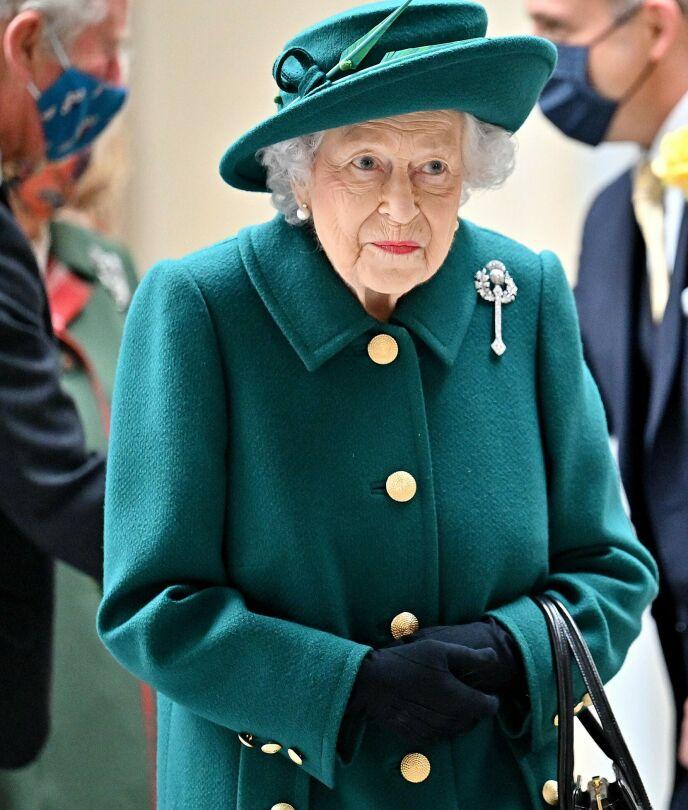 PÅ JOBB: Dronning Elizabeth på jobb lørdag denne helgen. Det var her hun åpnet seg om ektemannen. Foto: Jeff J Mitchell/AFP/NTB