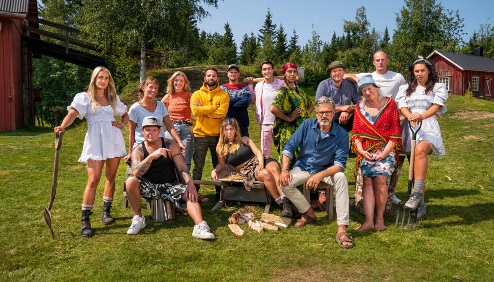 AVSLØRT: Detaljer om kveldens episode ble avslørt på direkten. Foto: Espen Solli / TV2