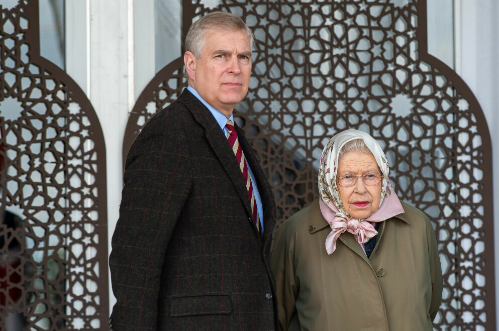 MAMMA BETALER: Dronning Elizabeth bidrar ifølge Telegraph med å betale sønnens svindyre advokatregninger. Foto: Maureen Mclean / Shutterstock Editorial / NTB