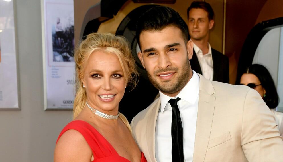 FORLOVET: Britney Spears og kjæresten gjennom fem år, Sam Asghari, ble nylig forlovet. Foto: Kevin Winter / AFP / NTB