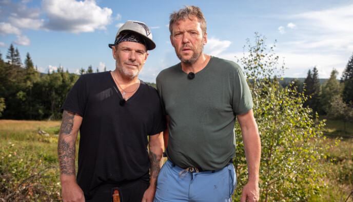 TAPTE KAMPEN: Robert Michael Scott og Kjell Strand møttes til øksekast-konkurranse søndag. Det kampen vant Scott overlegent. Foto: Andreas Fadum / Se og Hør