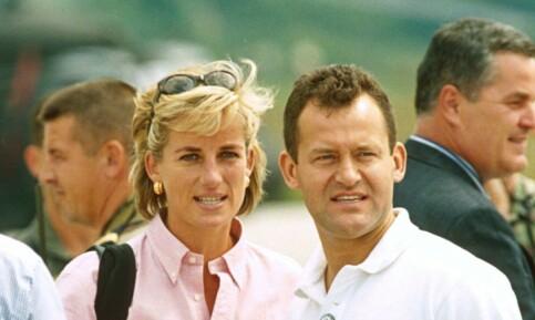 Image: Like før Dianas butler skulle i vitneboksen, grep dronningen inn