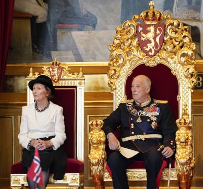 Image: Derfor var dronningen uønsket på Stortinget